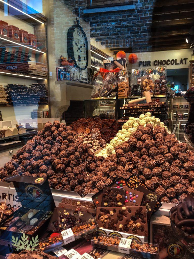 Munți de ciocolatăăă!