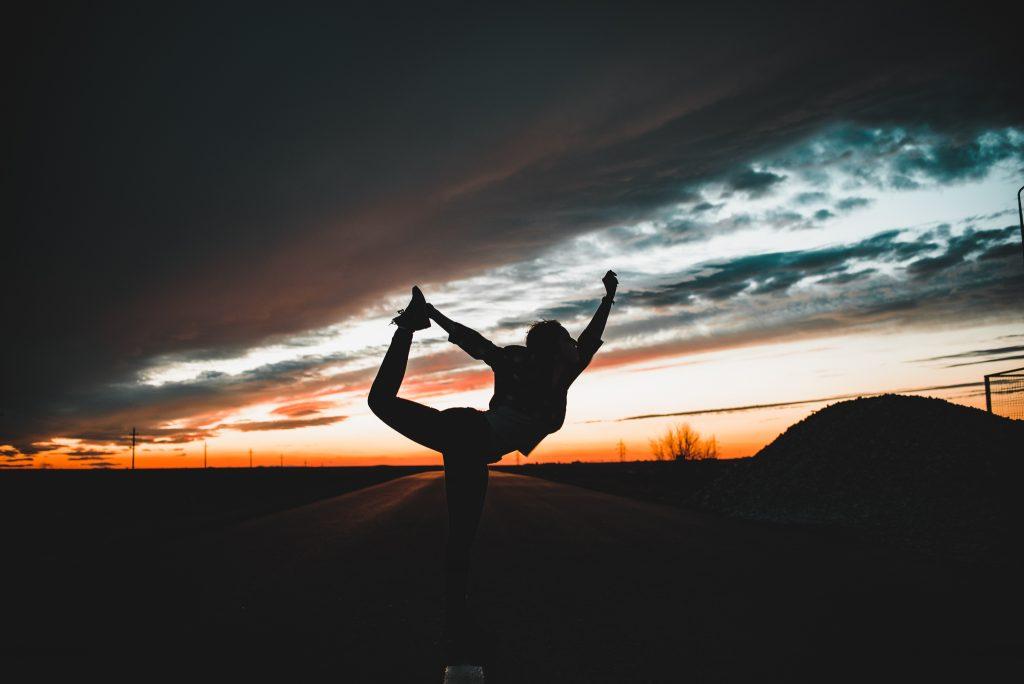 Experiența mea cu yoga: Cum mă ajută, sfaturi pentru începători, câteva mituri demontate