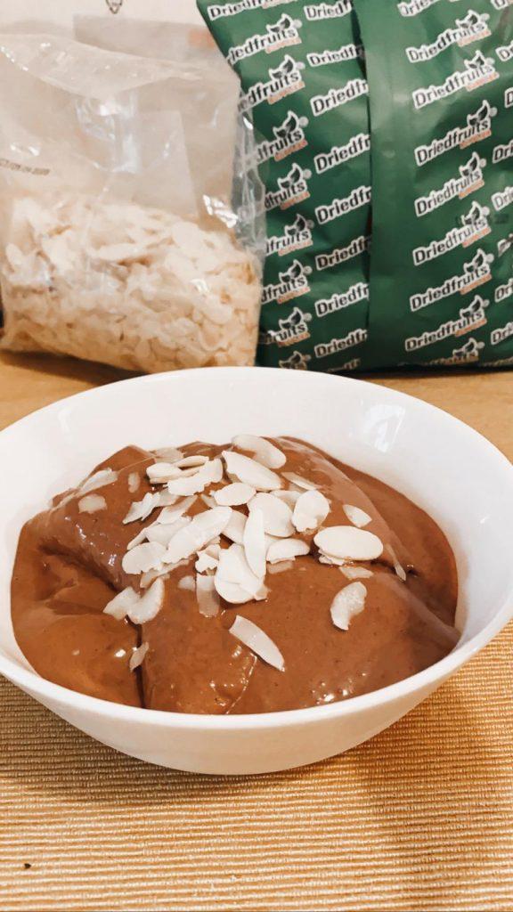 Înghețată vegană cu ciocolată și tahini, fără zahăr